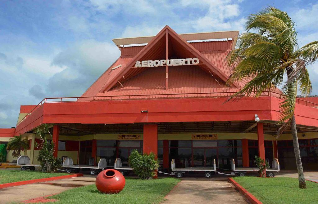 Aeropuerto Internacional de Camagüey mantiene temporalmente cerradas sus operaciones comerciales
